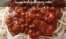 Crock-Pot Spaghetti Bolognese Sauce from Scratch - yum!! This recipe uses only real food ingredients and has a touch of sweet from the honey. A subtle, but mouth-watering addition! (After being married to an Italian for 11 years, I finally found a spaghetti sauce recipe he loves! Yeah, baby!!)