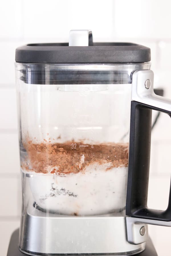 blender with chocolate chia seed pudding ingredients