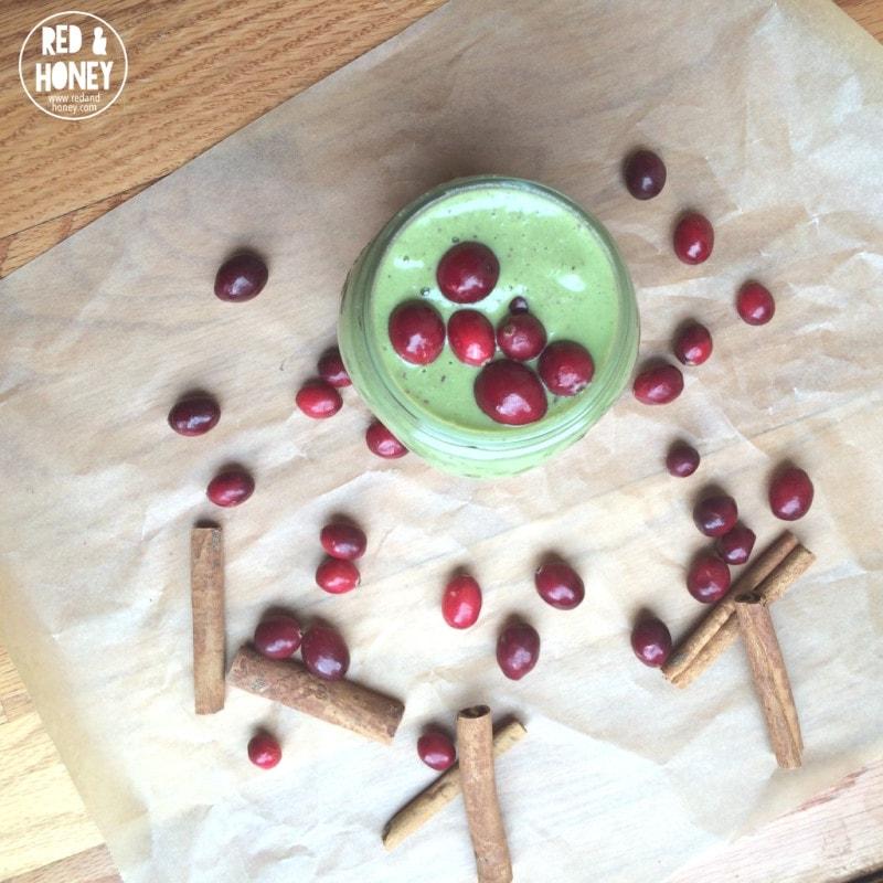 A-Festive-Orange-Cranberry-Green-Smoothie-RH2
