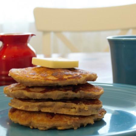 Oatmeal Banana Pancakes (Freezer-Friendly)